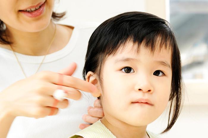健康的な子供と親